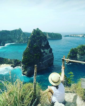 Nusa Penida island is one of the best tourist destination in Bali. It's really wonderful and amazing place to visit and explore the nature!
