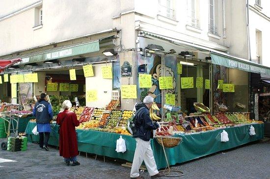 Place de la Contrescarpe: Boutique de la rue Mouffetard