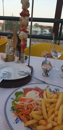 Copacabana Infante Restaurante Pizzeria: Shrimp and Monkfish Kebab
