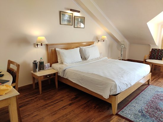 Nice Hotel at Mall road shimla,walking distance.its not a five star property but an excellent property.No A.C in the rooms.Excellent Staff.