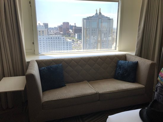 Hard Rock Hotel & Casino Atlantic City: Couch needs to be replaced - worst thing about the room