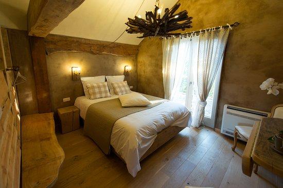 Grandhan, Belgique : Les Chambres du Vivier à Durbuy, Ardenne.  Chambre Bois