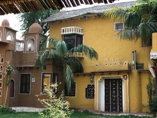 Surjivan Resort: Mud House