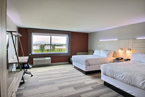 Holiday Inn Express & Suites Fond du Lac: Guest room