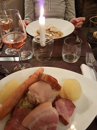 """Au Cheval Blanc Restaurant: """" Cheval Blanc """""""