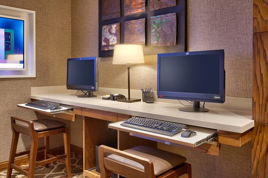 SpringHill Suites Moab: Business center