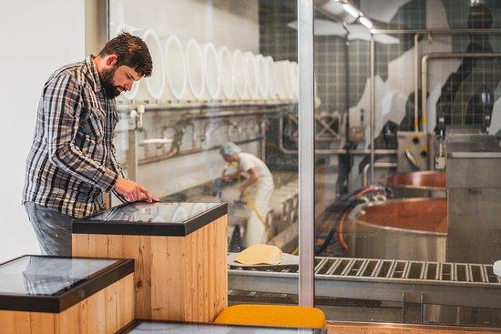 Le Noirmont, Suisse : Soyez à deux pas des fromagers