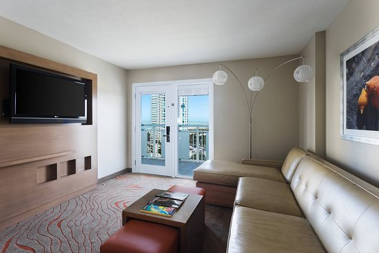 Clearwater Beach Marriott Suites on Sand Key: Suite