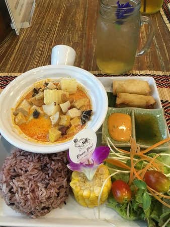 Baan Buri Café and Restaurant Photo