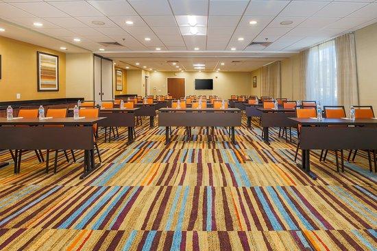 Fairfield Inn & Suites Alexandria: Meeting room