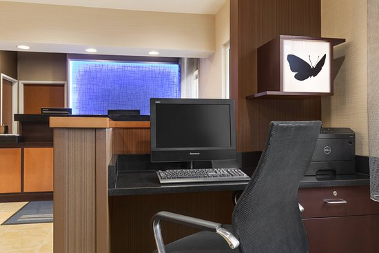 Fairfield Inn Racine: Business center