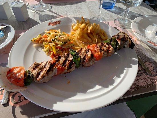 Lekker eten aan het strand