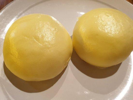 Lao sa bao (molten salted egg custard buns)