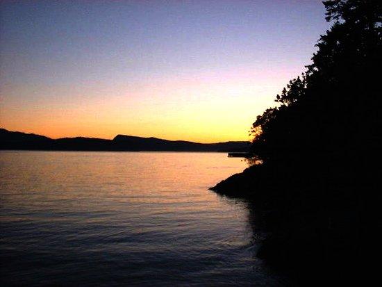 Sailing the Saanich Inlet: Gulf Island sunset