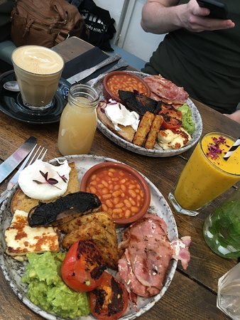 Vegeterian full English with Bacon at Half Cup