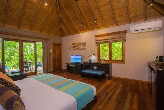 Veligandu Island Resort & Spa: Beach Villa Interior