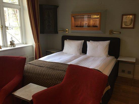 Victory Hotel: The Captain Lilja room.
