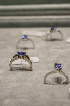 Tanzanite rings set in White Gold 18kt and 925 silver