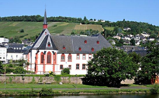 St.-Nikolaus Hospital/Cusanusstift