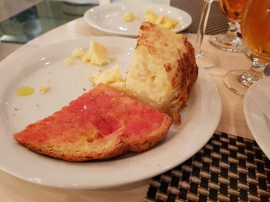 Antic Cafe Espanyol: tortilla e pane y tomate