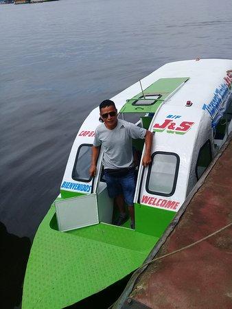 Movilidad de Asiendes Peru que nos conduce a la Reserva Nacional Pacaya Samiria