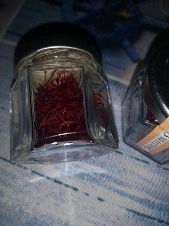 Civitaretenga, อิตาลี: Due grammi di zafferano puro
