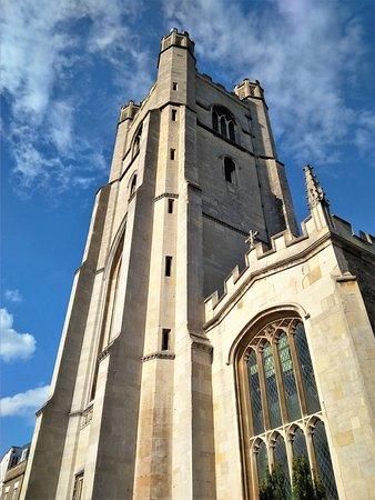 La torre de 35 metros