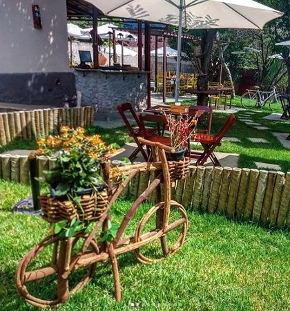 Catas Altas, MG: Café, artesanato, bolinhos, chopp...