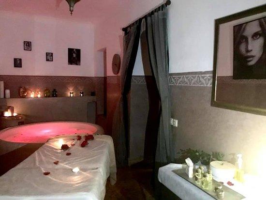 salle de massage bassin aromatique