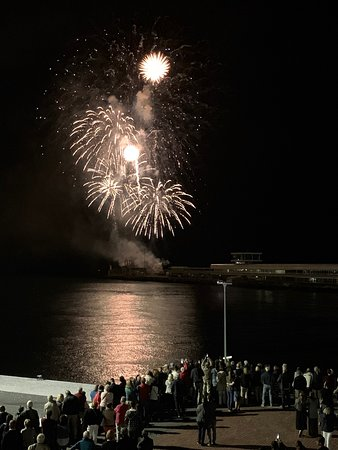 Pestana CR7 Funchal: Amazing fireworks for the Atlantic Festival from Funchal as seen from Pestana CR7 Hotel, every Saturday in June at 10.30pm there will be fireworks to celebrate this event. CR7 has balcony room views so you can watch with no restrictions