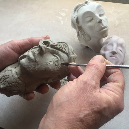 Hill Head, UK: Learning sculptural techniques with John Cook