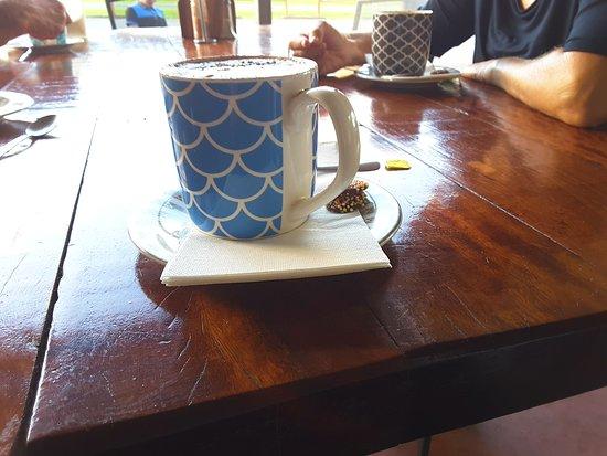 Pinnacle, Австралия: Now that's a decent mug of coffee - a plus, sweet treats