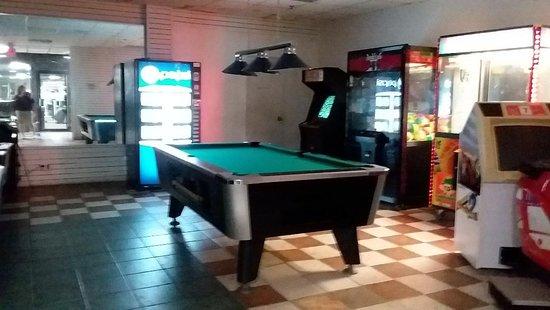 Pleasantville, NJ: Game room