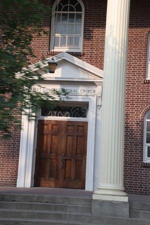 First Congregational Church: The entrance door