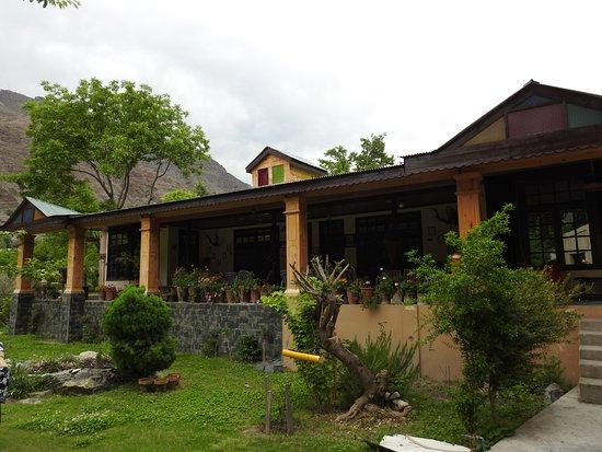Chitral, Pakistan: Nagar Fort Motel.