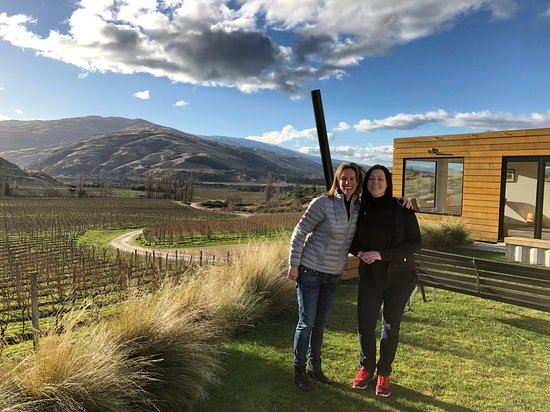 Classic Wanaka Wine Tour: We loved all of the views and our wonderful guide Toni.