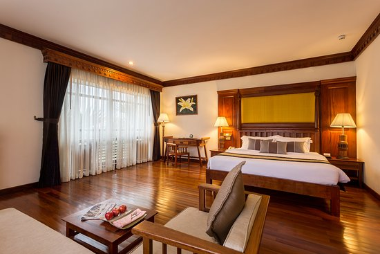 Studio suite is tastefully furnished space offering a comfortable stay. Each suite is aesthetically designed, well ventilated and has a fully equipped living room, air-conditioned bedroom.