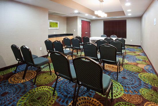 Holiday Inn Express & Suites Rochester - Mayo Clinic Area: Meeting room