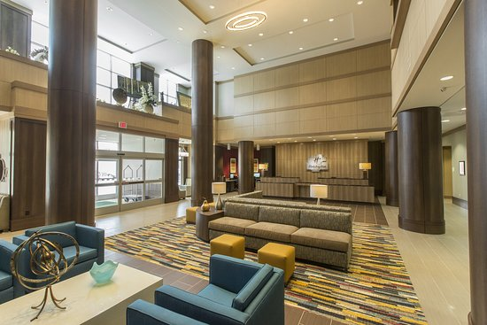 Holiday Inn & Suites Shenandoah - The Woodlands Area: Lobby