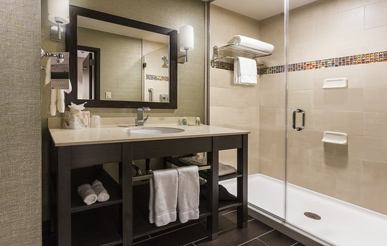 Holiday Inn & Suites Shenandoah - The Woodlands Area: Guest room amenity