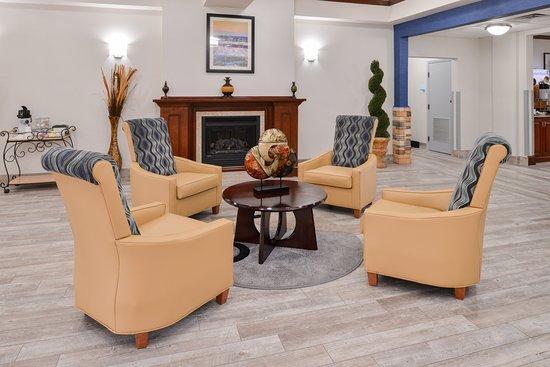 Holiday Inn Express Clanton: Lobby