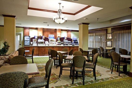 Holiday Inn Express Clanton: Restaurant