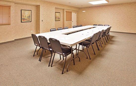 Candlewood Suites Joplin Hotel: Meeting room