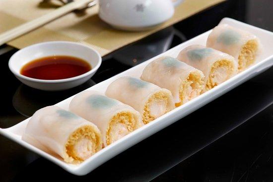 Imperial Treasure Fine Chinese Cuisine (One Peking): 金網脆皮蝦腸   Steamed Crispy Rice Roll with Shrimp
