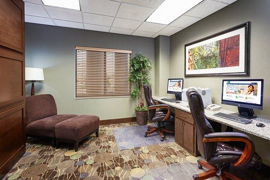 Holiday Inn Express Hotel & Suites Madison-Verona: Property amenity