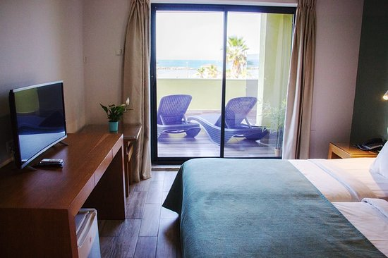 Golden Beach Hotel: Room with sea view