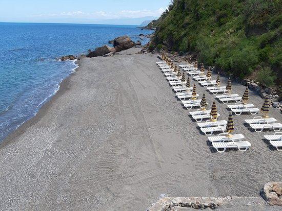 VRclub Villa Ridente: Spiaggia