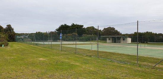 Beachport Lagoon: Beachport Centennial Park and Lagoon  anyone for tennis?