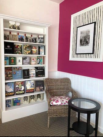 Beatons Tearooms - Moreton In Marsh: A glimpse of our books