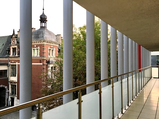 Aravel Apartmenty Wrocław. Widok z ogromnego balkonu przy ul.Czystej 2.